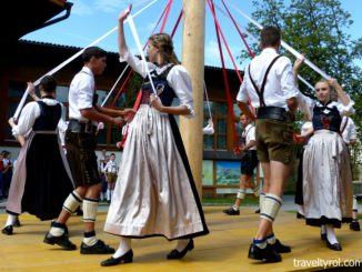 Maypole dance in Tulfes.