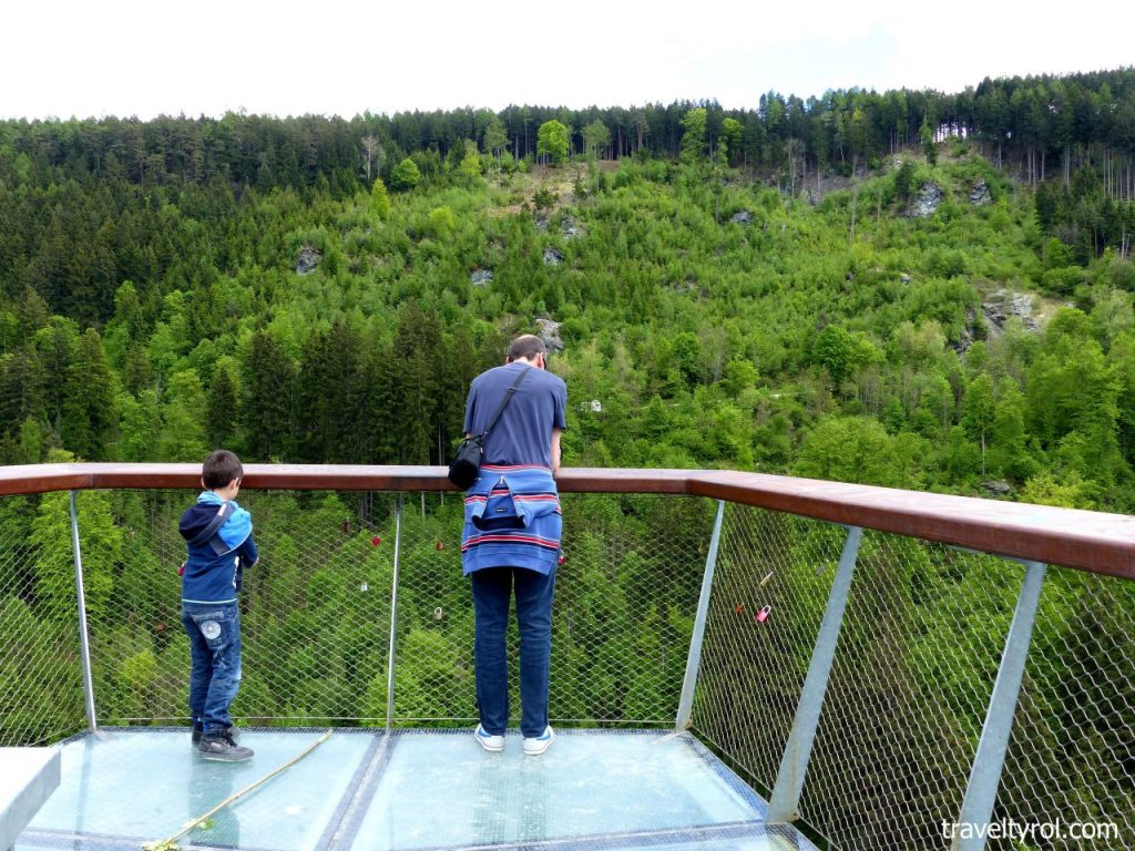 Sill gorge viewing platform Bergisel hiking trail.