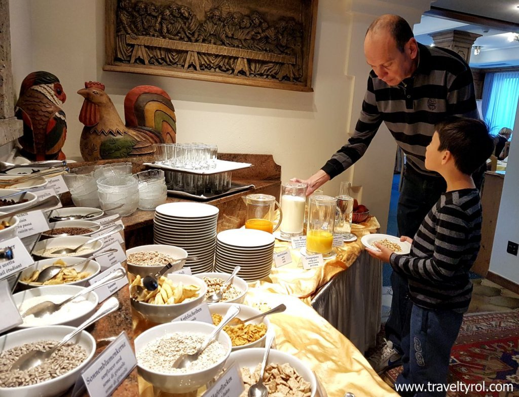 Breakfast buffet Hotel Serles